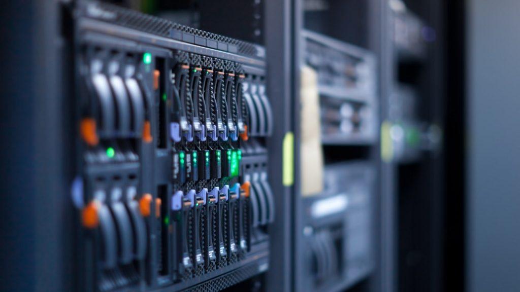 servers-hardware-computers-hosting